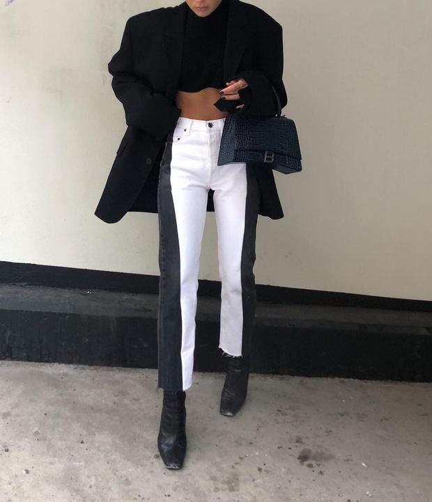 Фото №3 - Инфлюенсер Ханна Шонберг нашла белые джинсы, которые делают фигуру безупречной