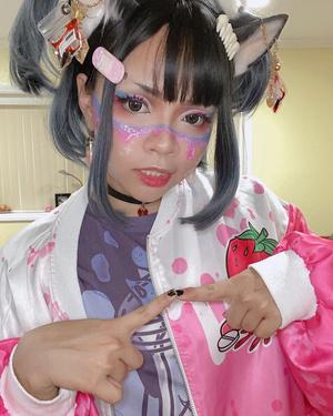 Фото №12 - Мило и жутко: почему японские подростки обожают «больной кавай»