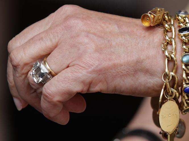 Фото №2 - Во сколько оценивается помолвочное кольцо Камиллы Паркер Боулз