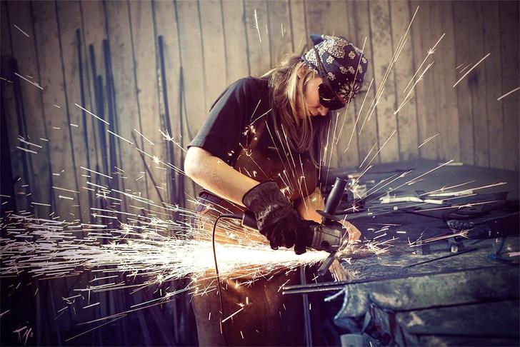 Фото №5 - Анна и молот: как устроена жизнь и работа женщины-кузнеца