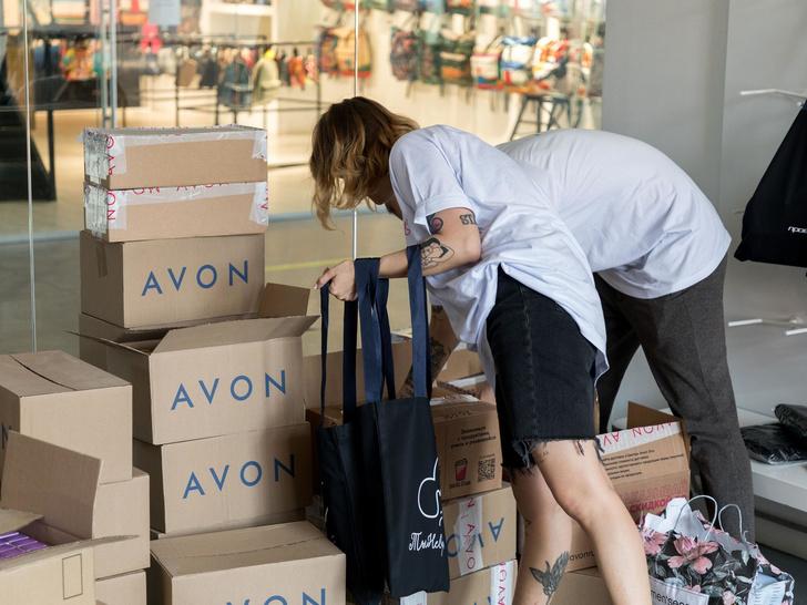Фото №3 - Вместе против насилия: что нужно знать о новой инициативе Avon и проекта «ТыНеОдна»