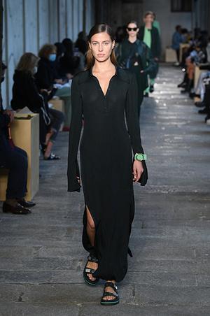 Фото №2 - «Близняшки» Шейк и Потуральски вышли на подиум в рамках Недели моды в Милане