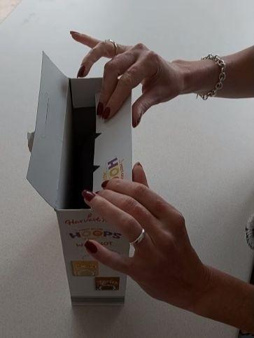 Фото №3 - Британка предложила лайфхак, как правильно закрывать коробки с крупами и хлопьями. Видео набрало 3,5 миллиона просмотров