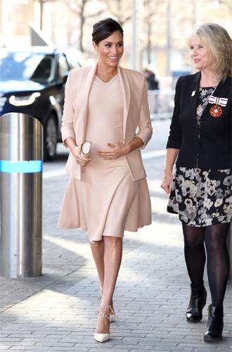 Фото №17 - Стильная беременность Меган Маркл: главные модные предпочтения герцогини