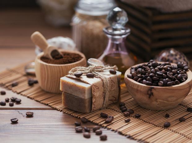 Фото №2 - Взбодритесь красиво: чем хороша косметика на основе кофейных зерен