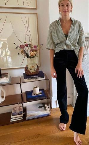 Фото №10 - С чем носить джинсы клеш: 12 модных идей на весну 2021