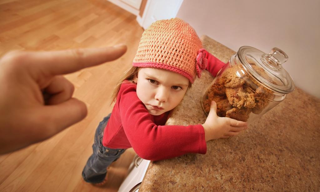 5 пищевых табу: эти продукты малышу точно есть нельзя