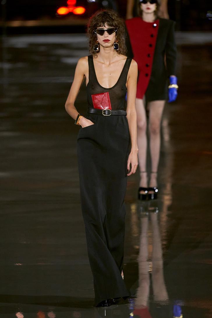 Фото №7 - Что, как и с чем носить весной 2022: свежие идеи с Недель моды