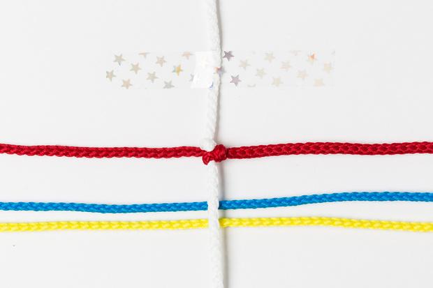 Фото №6 - Мастер-класс: Плетем фенечки