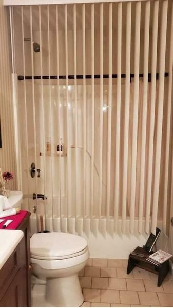 Фото №11 - Не надо так: 23 реальных фото ванных с ужасным ремонтом