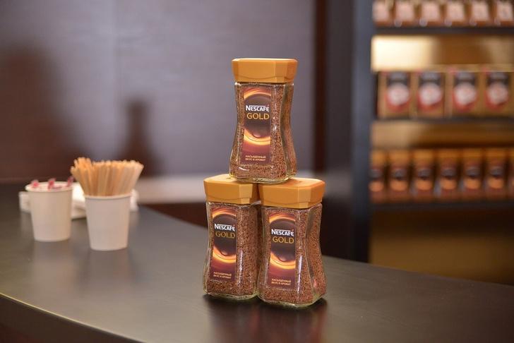 Фото №3 - Nescafé угостил зрителей шоу «Vivaldianno. Город зеркал» ароматным кофе