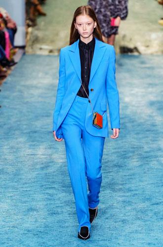 Фото №16 - От классики до сочных красок: лучшие костюмы с Недели моды в Нью-Йорке