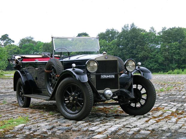 Фото №2 - Почему на старых автомобилях привычные вещи на непривычных местах
