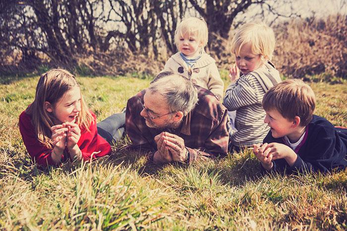 Фото №4 - Зачем современным детям дедушка