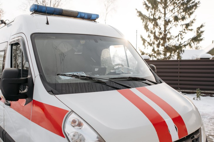 Мужчина угнал скорую помощь, чтобы доставить самого себя в больницу