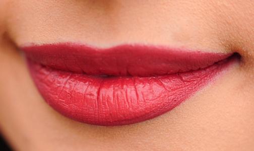 Фото №1 - Маленькая ранка на губе женщины оказалась признаком рака
