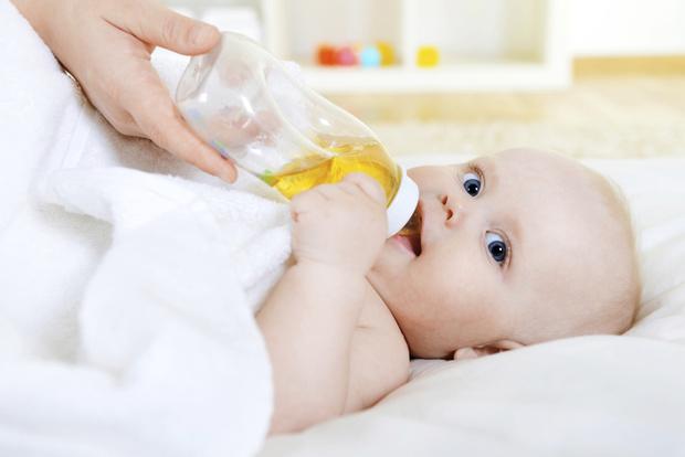 Фото №2 - Первый сок для малыша: что о нем обязательно нужно знать маме