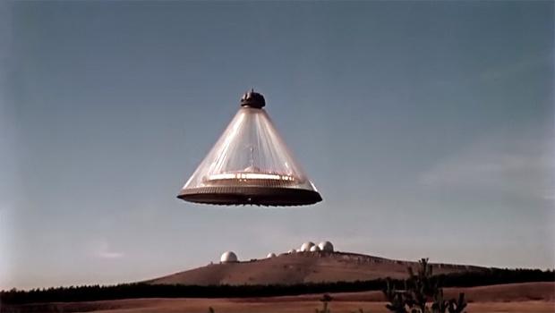 Кадр из фильма «Лиловый шар»
