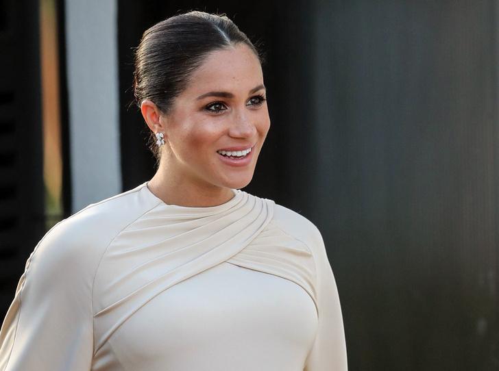Фото №1 - Почему герцогиня Меган отказывается от помощи королевских гинекологов