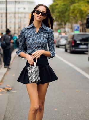 Фото №9 - С чем носить мини-юбки: 8 стильных сочетаний на любой случай