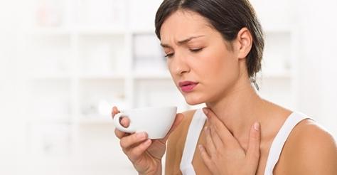 Фото №2 - 9 эффективных способов облегчить боль при ларингите