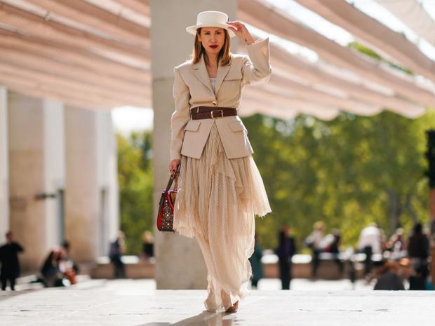 Фото №1 - Как носить прозрачные вещи: советы эксперта