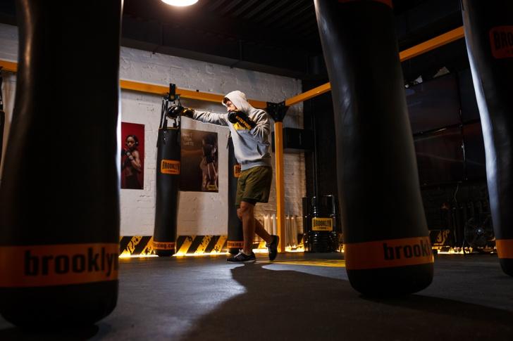 Фото №1 - Brooklyn Fitboxing: что такое безконтактный бокс и как он помогает миру