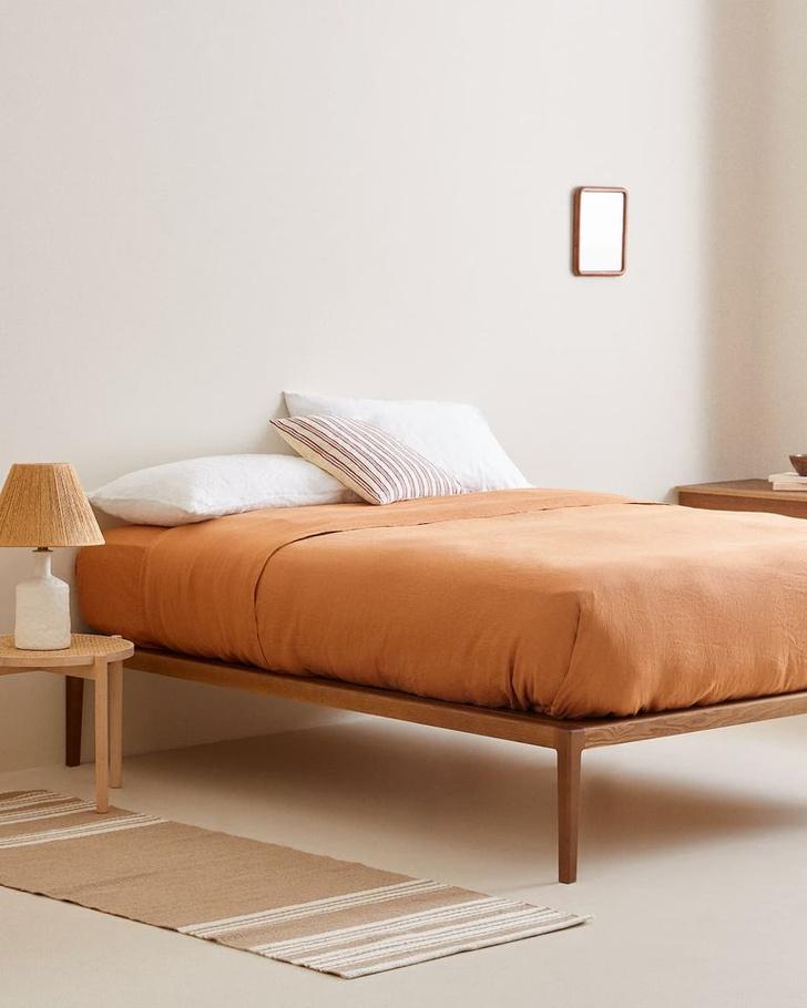 Фото №2 - Тренд: терракотовый цвет в спальне