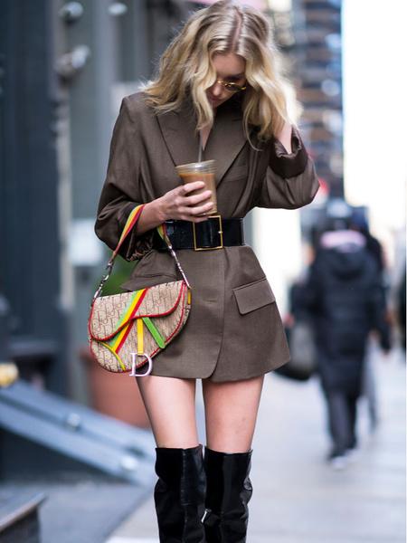 Фото №2 - Как носить массивные аксессуары: советы стилиста