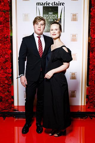 Елена Шкулева с супругом Артемом Резаковым