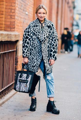 Фото №7 - Почему зебра (а не леопард) – принт, который стоит примерить в новом сезоне