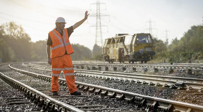 Железнодорожник спас от самоубийства 29 человек, просто разговаривая с ними