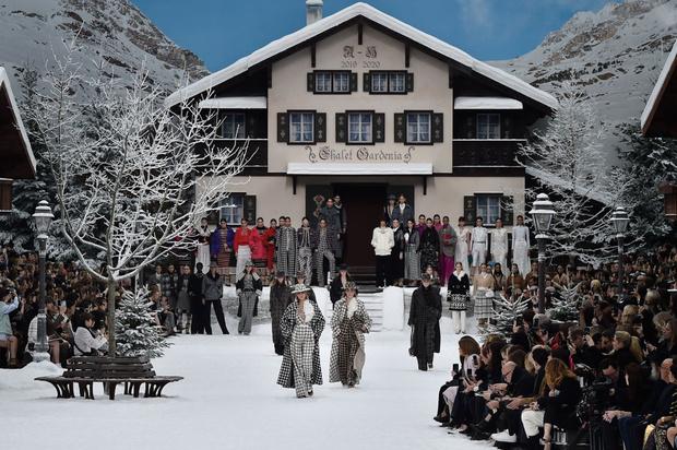 Фото №1 - Без Кайзера: последняя коллекция Карла Лагерфельда для Chanel