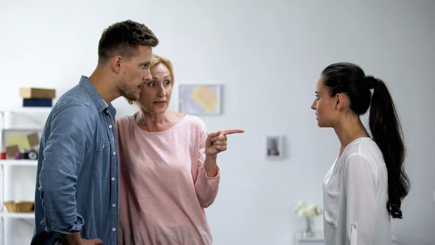 свекровь монстр, свекровь и невестка, отношения в семье, семейные конфликты, беременность