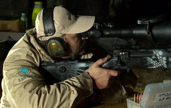 Фото №1 - Русский снайпер поражает цель в кромешной темноте с 2 километров. Это рекорд мира (видео)