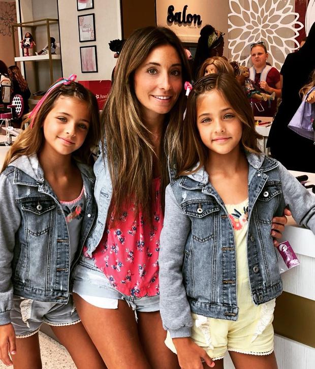 Фото №5 - Как выглядят родители самых красивых близняшек в мире