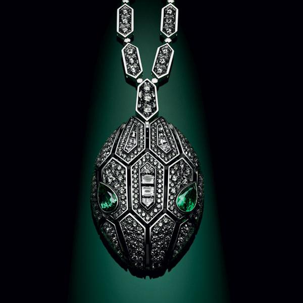 Фото №11 - Глаза змеи: новая ювелирная коллекция Bulgari