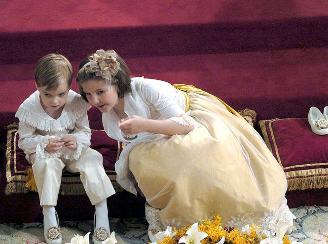 Фото №60 - Самые трогательные моменты королевских свадеб (о Гарри и Меган мы тоже не забыли)