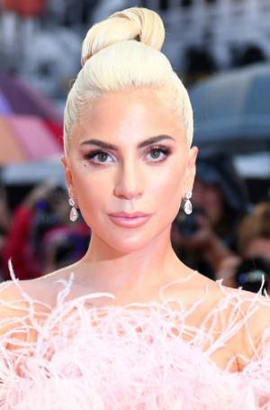 Фото №35 - Как хорошела Леди Гага: все о громких бьюти-экспериментах звезды