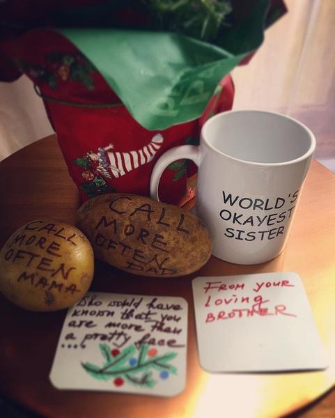 Фото №5 - Какие подарки звезды получили на Рождество?