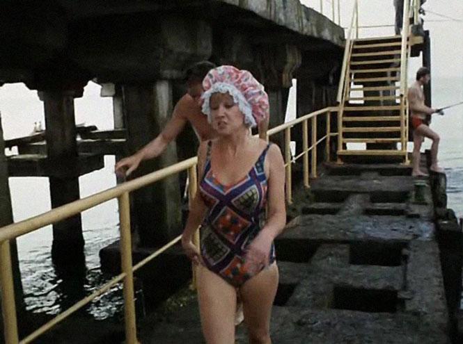 Фото №16 - Ретрошик: 20 легендарных купальников из кино