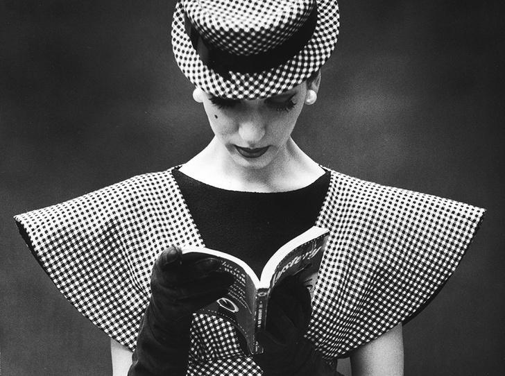 Фото №1 - Топ-7 книг о легендах fashion-индустрии