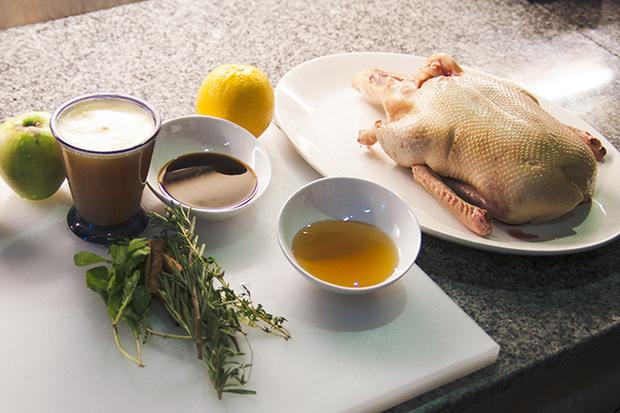 Фото №2 - Рождественская утка с яблоками: рецепт