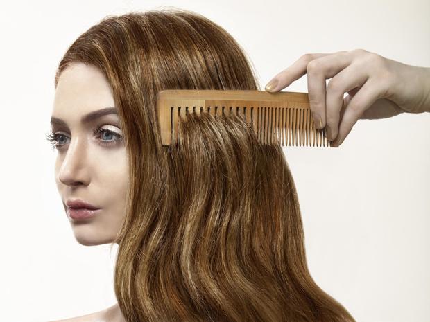 Фото №2 - Почему волосы электризуются зимой, и как быстро решить эту проблему