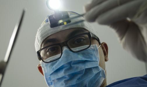 Фото №1 - Список самых опасных профессий в 2020 году возглавили врачи