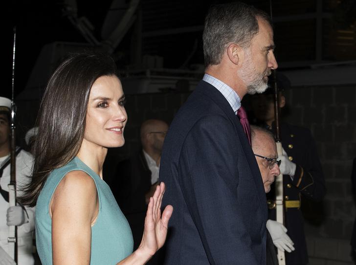 Фото №1 - Кто поставил короля и королеву Испании в неловкое положение