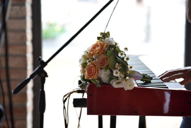 Фото №9 - От торта до платья: как сэкономить на свадьбе, делятся реальные пары