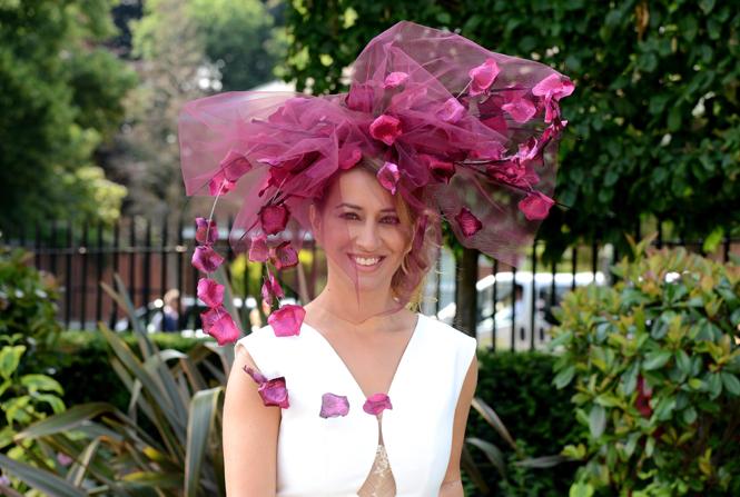 Фото №18 - Чья шляпа лучше: герцогиня Кембриджская и другие на Royal Ascot 2017