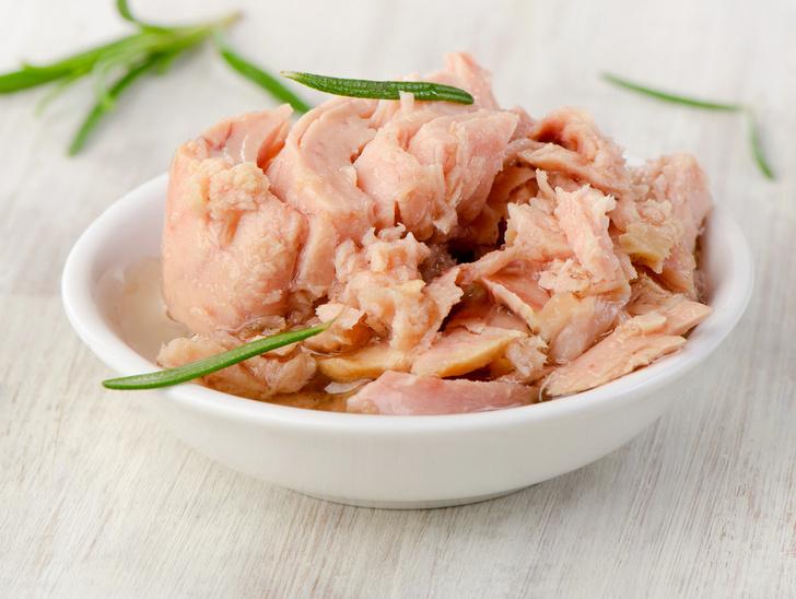 Фото №1 - Опасные продукты: почему беременным советуют отказаться от тунца