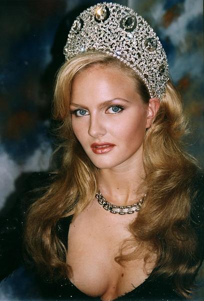 Фото №21 - Монархи, политики, артисты: с кем королевы красоты связывают свою судьбу